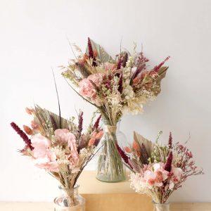 bouquet rose en fleurs séchées et éternelles